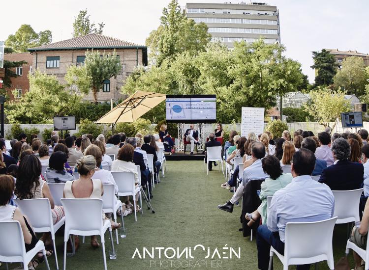 marta-gil-casares-coachin-linkedin-digitalizacion-empleo-y-futuro